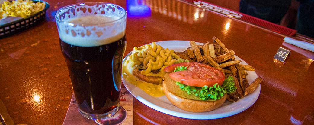 banner_burger-mac-and-cheese-beer-northwoods-brewpub-osseo