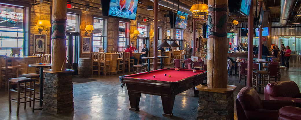 banner_dining-area-northwoods-brewpub-osseo